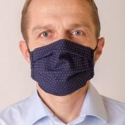 Pánská bavlněná rouška dvouvrstvá skládaná s kapsou a tvarovacím drátkem, ouška z gumičky, modrá