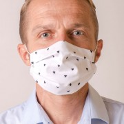 Pánská bavlněná rouška na ústa a nos dvouvrstvá skládaná s oušky z gumičky, bílá/srdce